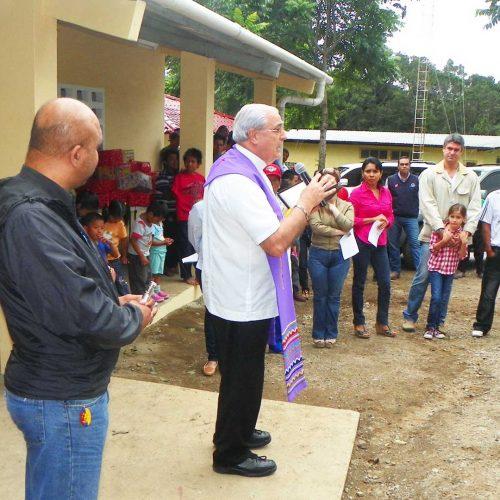 Construcción de la escuela de Cafe Eleta 1