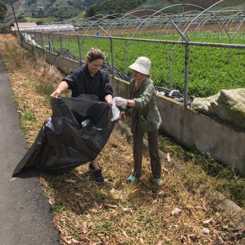 Limpieza de calles en Cerro Punta 3